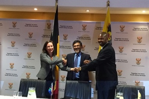 Minister of Economic Development Patel signs an MoU with Flanders and the ILO on a social economy policy